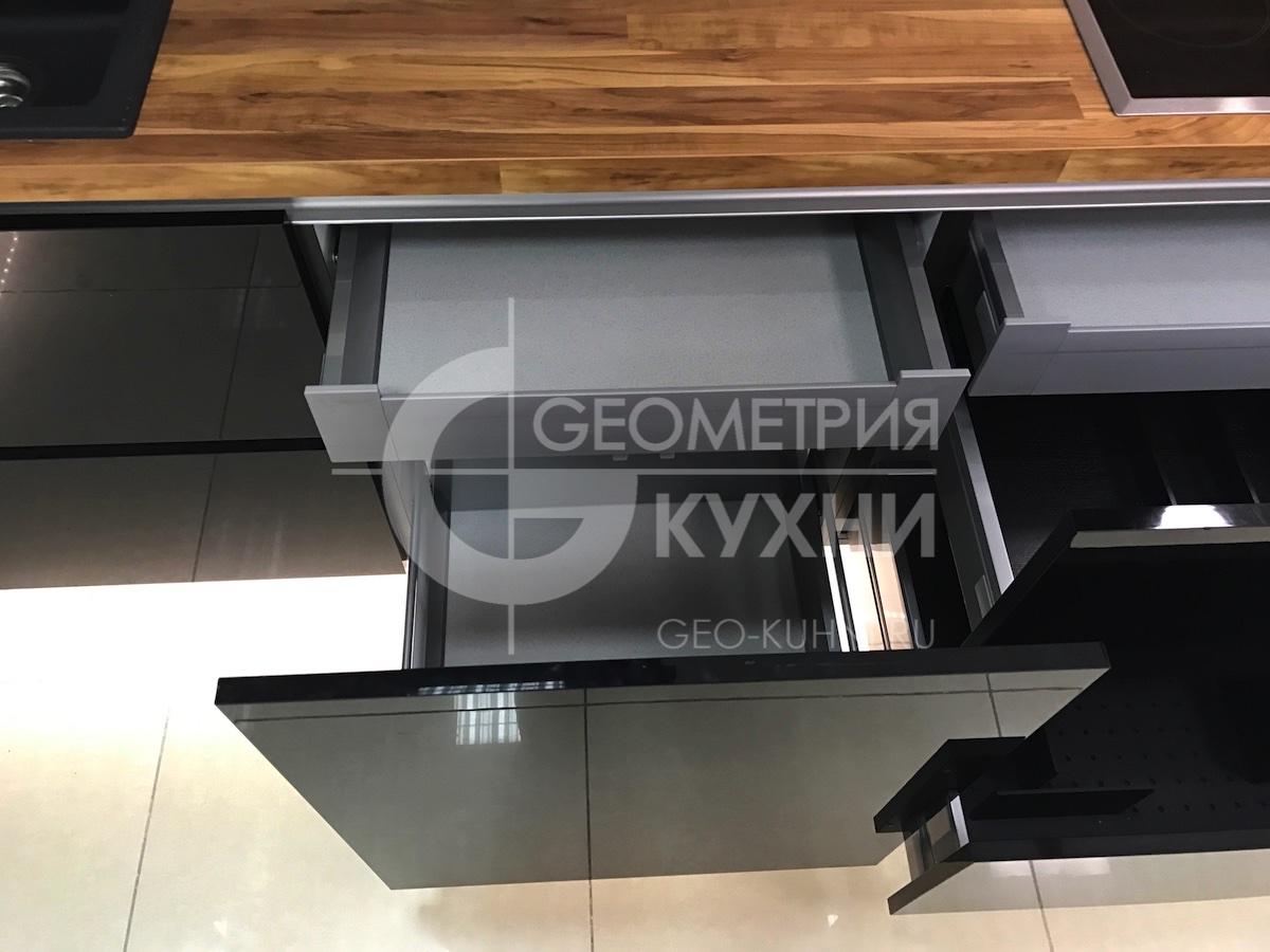 chernaya-kukhnya-na-zakaz-spb-geometriya-12