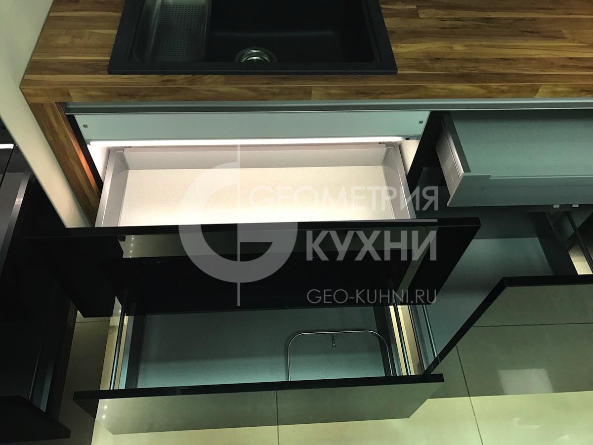 chernaya-kukhnya-na-zakaz-spb-geometriya-14