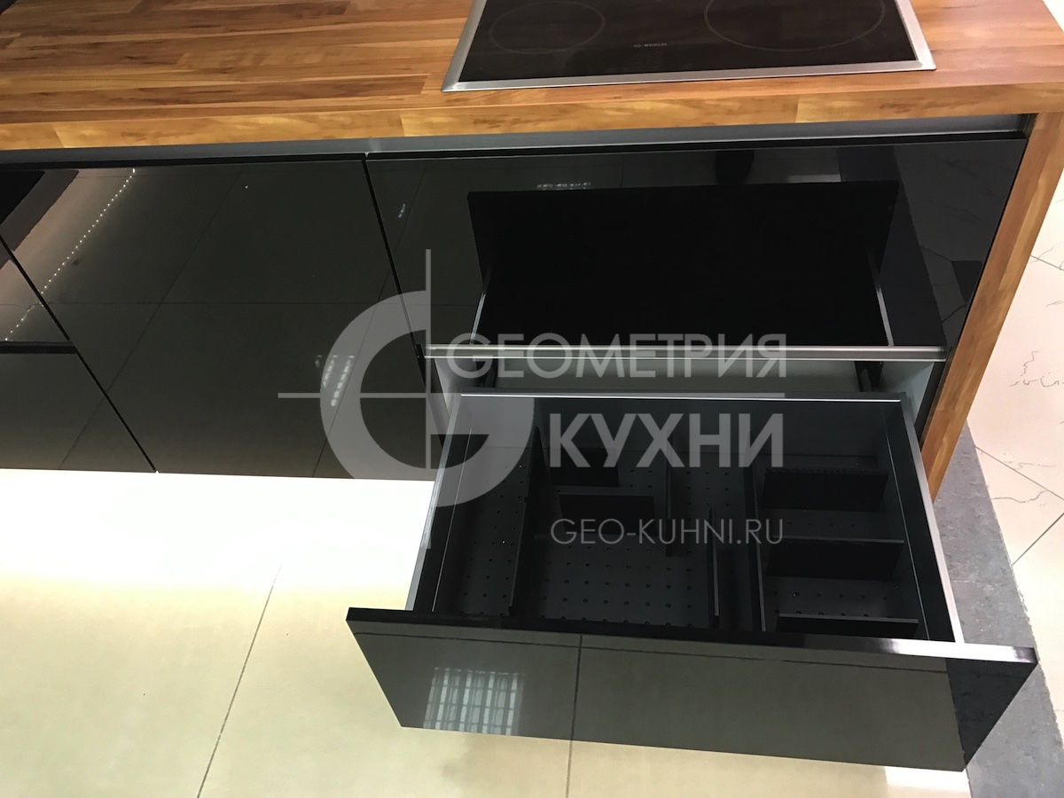 chernaya-kukhnya-na-zakaz-spb-geometriya-9