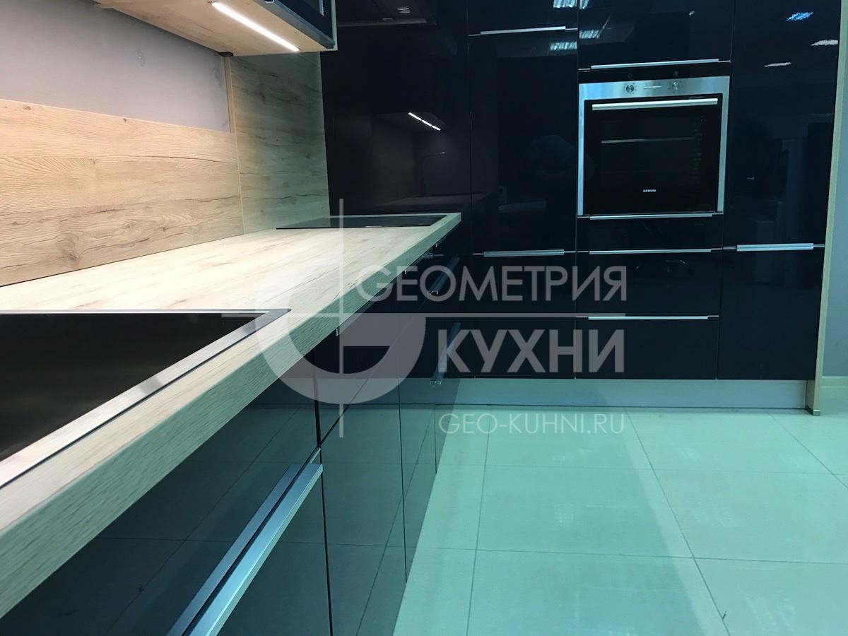 kukhnya-chernaya-sinyaya-spb-geometriya-13