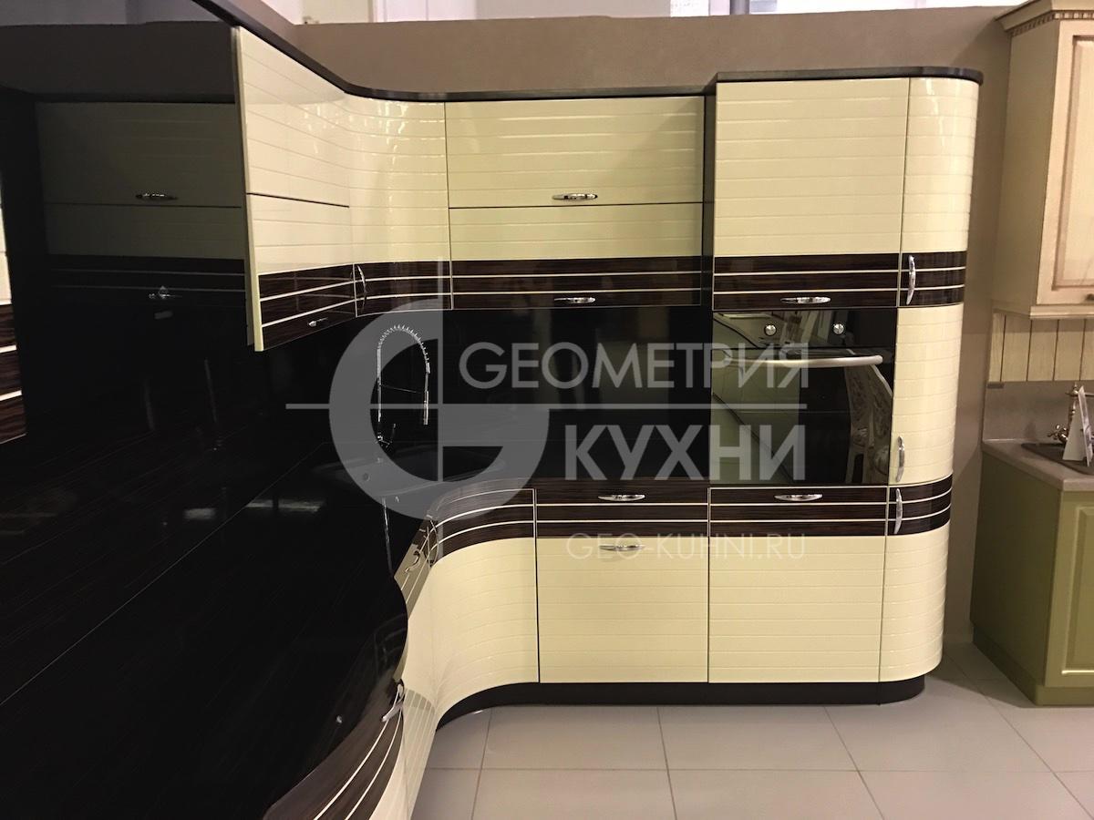 kukhnya-na-zakaz-spb-inline-geometriya-1