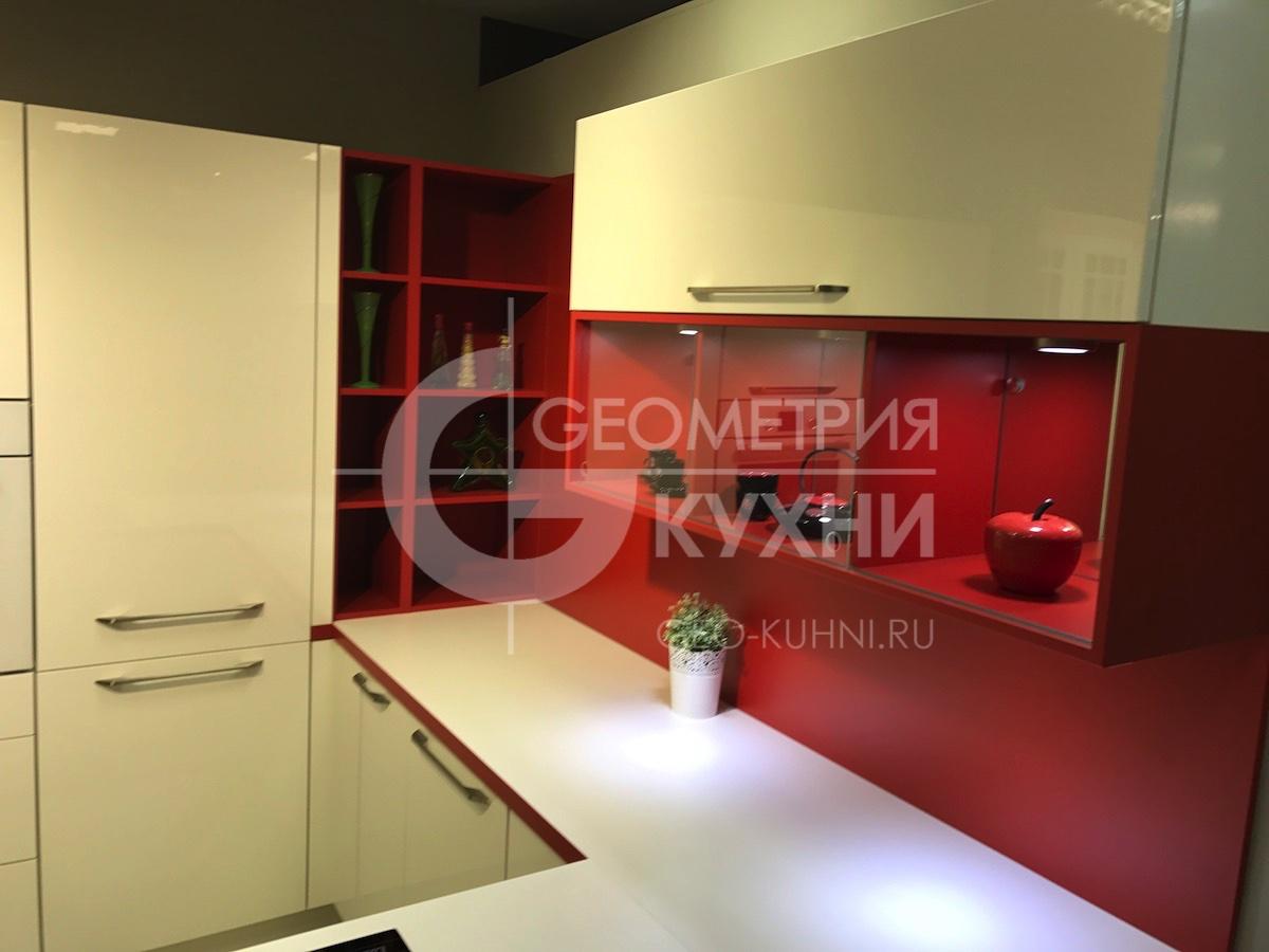kukhnya-na-zakaz-spb-white-red-geometriya-3