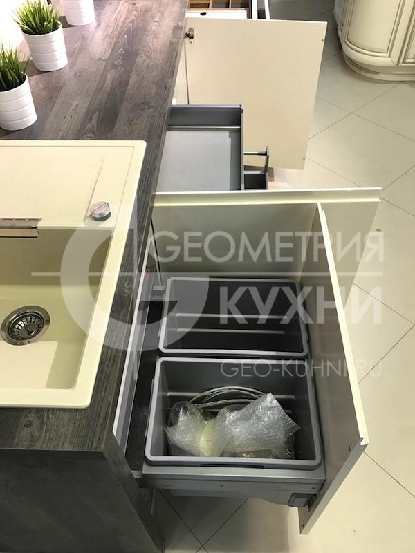 kukhnya-hi-tech-na-zakaz-geometriya-3