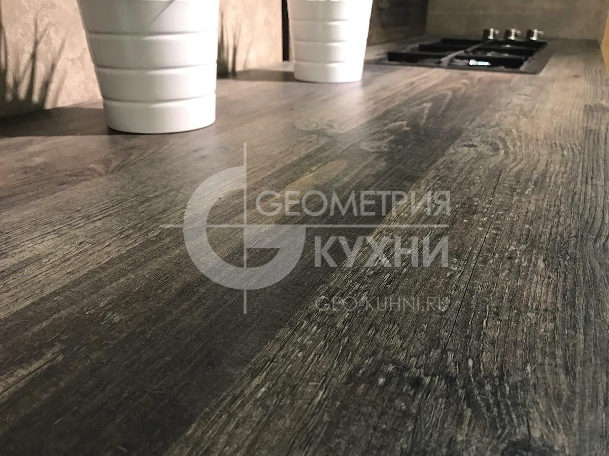 kukhnya-hi-tech-na-zakaz-geometriya-8