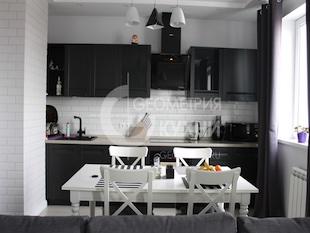 Кухонный гарнитур с фасадами цвета графит