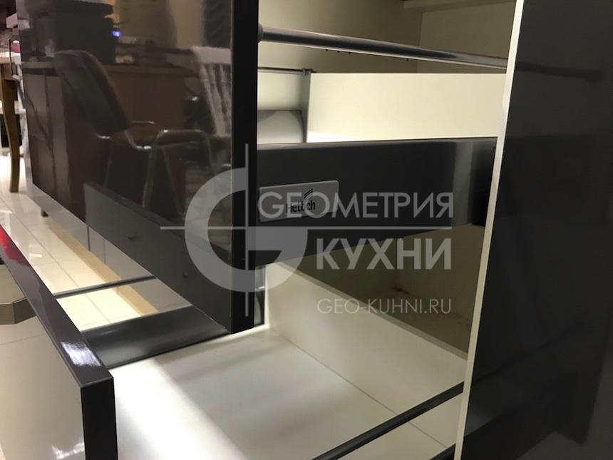 kuxnya-lite-na-zakaz-geometriya-10