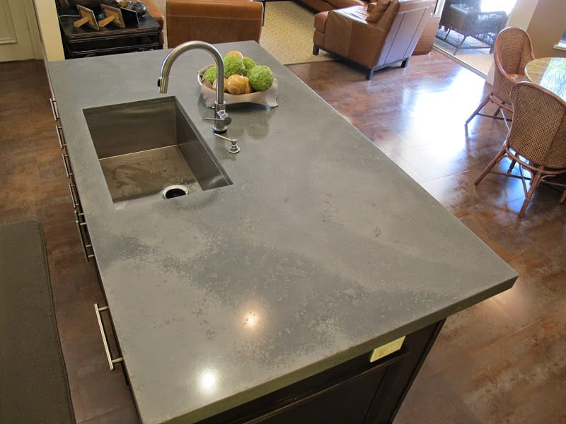 Kitchen top made of concrete
