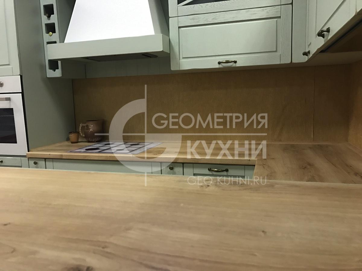 kukhnya-na-zakaz-kantri-geometry-10