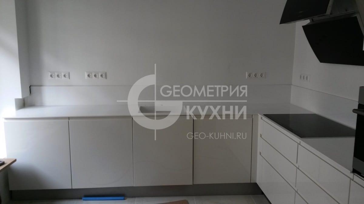 nemeckaya-kukhnya-geometriya-1