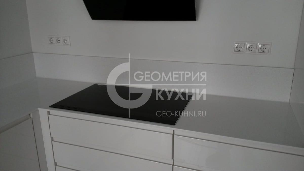 nemeckaya-kukhnya-geometriya-2