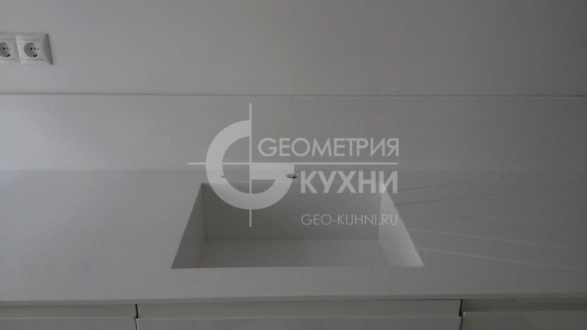 nemeckaya-kukhnya-geometriya-3