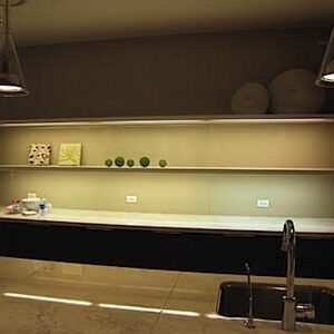 Lighting Under Shelves In The Kitchen 2