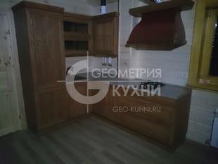 Небольшой кухонный уголок для дачного дома