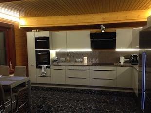 Кухонная мебель для частного дома